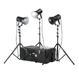 Smith-Victor 750-WATT PHOTOFLOOD  KIT